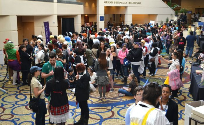 yaoi-con 2014 cosplay crowd 2