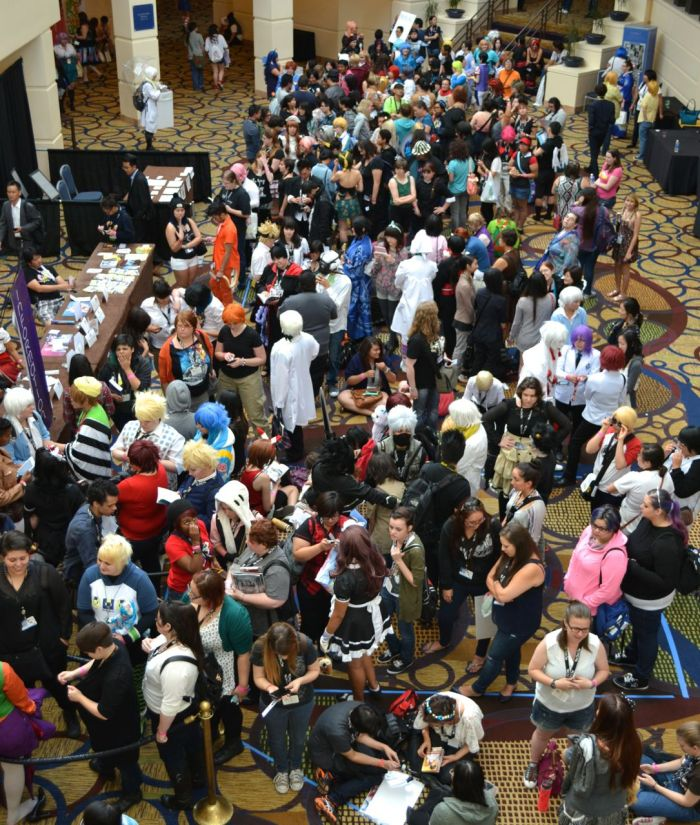 yaoi-con 2014 cosplay crowd 3
