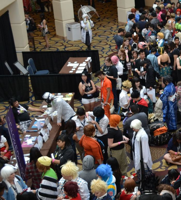 yaoi-con 2014 cosplay crowd 4