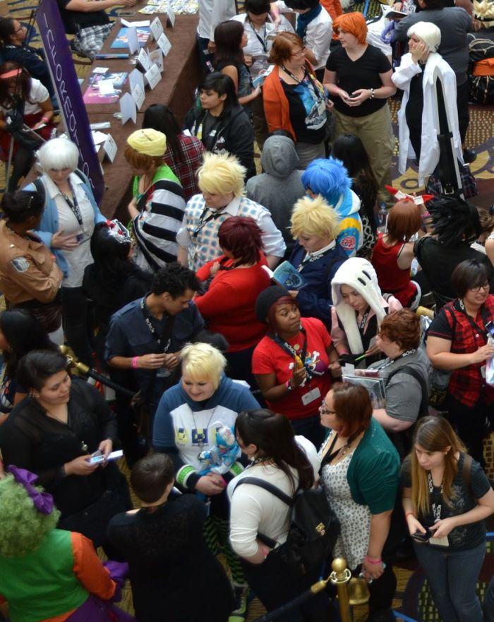 yaoi-con 2014 cosplay crowd 9